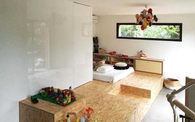 Salle de jeux et chambre d'enfant