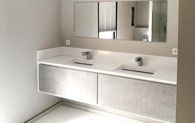 Double lavabos de salle de bain