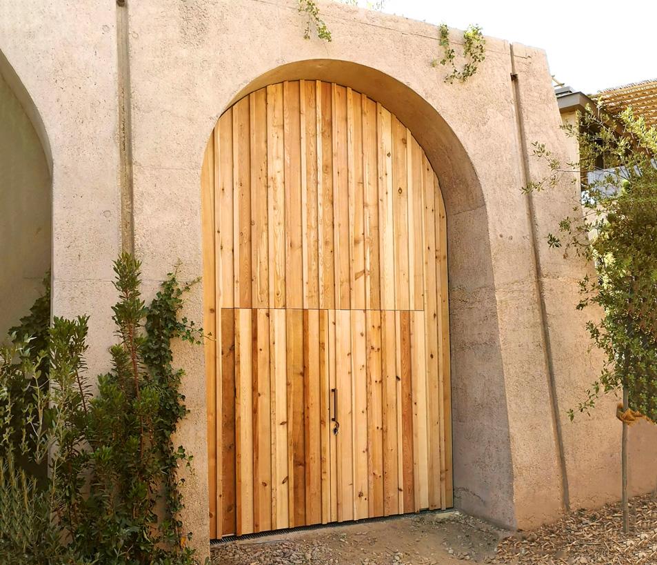 Porte d'entrée en bois de mélèze