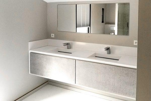 Doubles lavabos de salle de bain